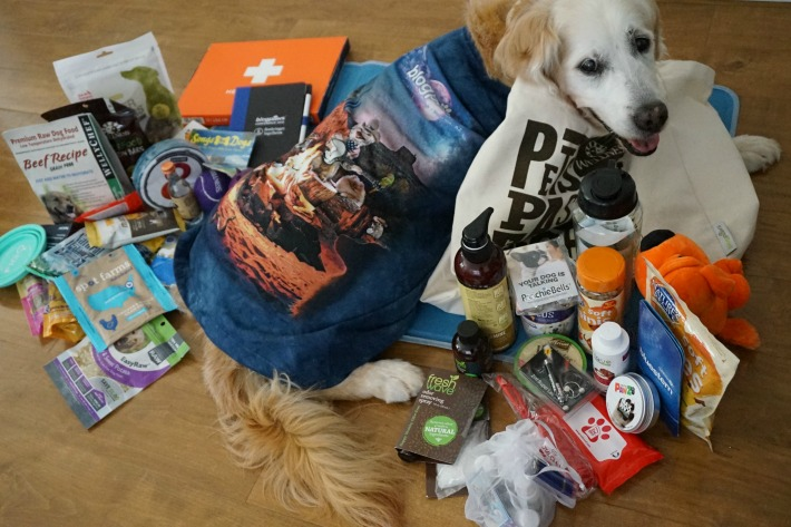 blogpaws conference swag bag