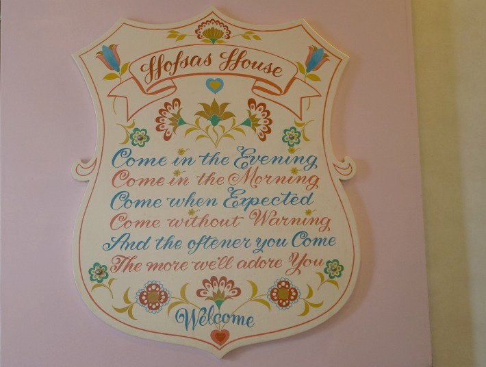 Hofsas House Welcome Sign